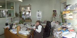 Sekretärin und Vögel
