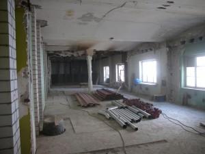 Praxis- Innenraum im Rohbau (April '04)